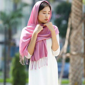 Khăn lụa tơ tằm Bảo Lộc màu hồng 1