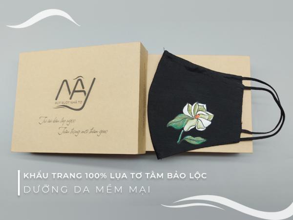 khẩu trang lụa vẽ tay hoa trà