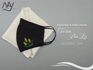 khăn mặt tơ tằm và khẩu trang thêu tay bông lúa