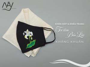 khăn mặt tơ tằm và khẩu trang vẽ tay hoa bưởi