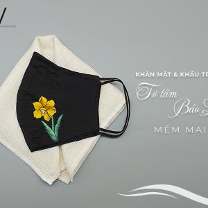 khăn mặt tơ tằm và khẩu trang vẽ tay hoa thủy tiên