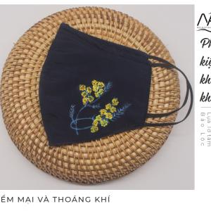 khẩu trang lụa vẽ tay hoa mimosa 3