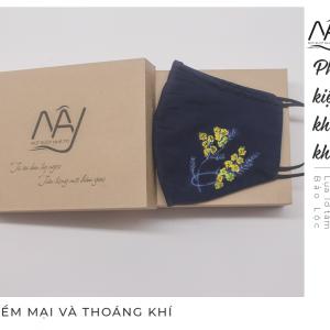 khẩu trang lụa vẽ tay hoa mimosa 4