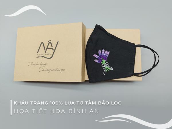 khẩu trang thêu tay hoa lavender