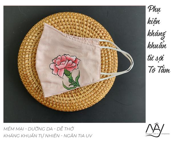 khẩu trang lụa vẽ tay hoa cẩm chướng 3