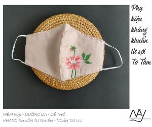 khẩu trang lụa vẽ tay hoa thược dược màu hồng 1