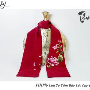 khăn lụa cao cấp thêu tay hoa cúc màu đỏ 3