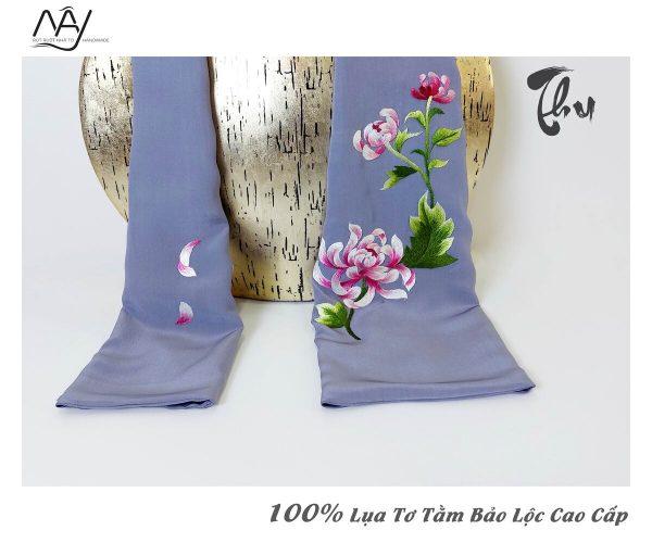 khăn lụa cao cấp thêu tay hoa cúc màu ghih 2