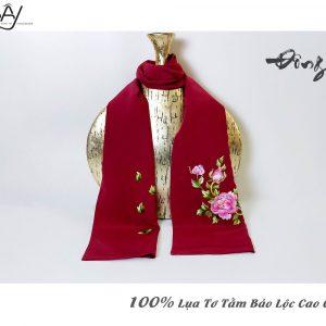 khăn lụa cao cấp thêu tay hoa mẫu đơn màu đỏ 3