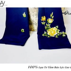 khăn lụa cao cấp thêu tay hoa mẫu đơn màu navy 2