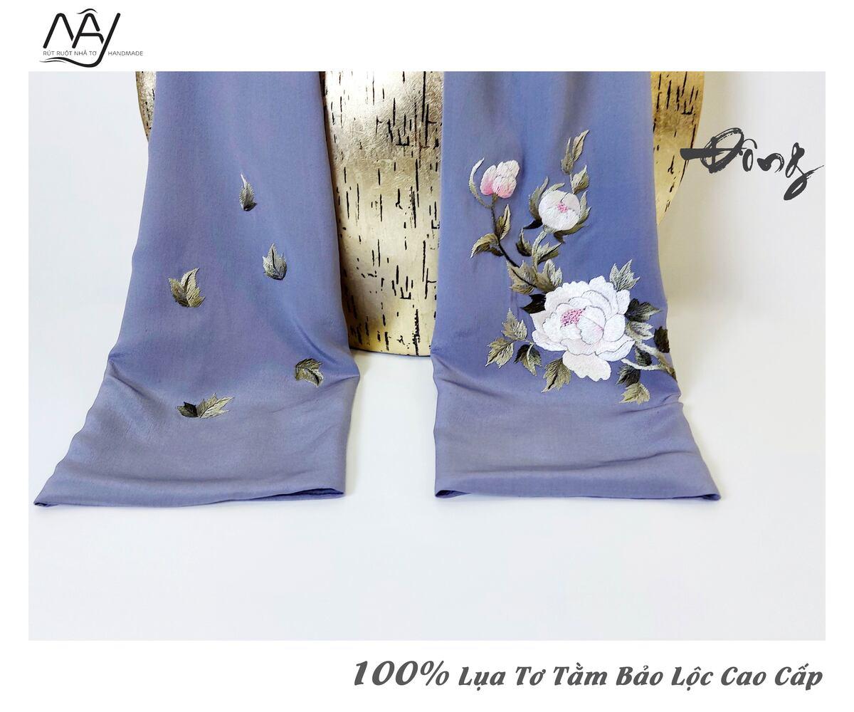 khăn lụa cao cấp thêu tay mẫu đơn màu ghi 2