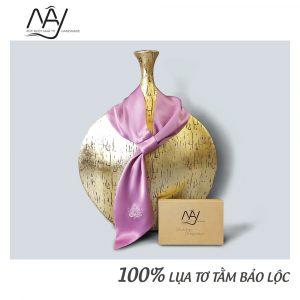 khăn lụa tơ tằm thêu tay hoa sen màu hồng mây handmade 4