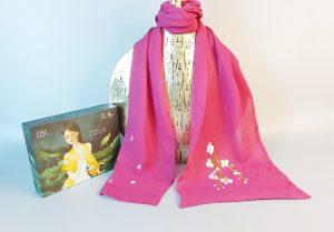 khăn lụa thêu tay hoa lan màu tím 1