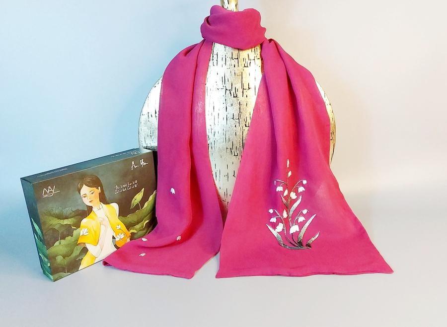khăn lụa thêu tay hoa linh lan tím 1