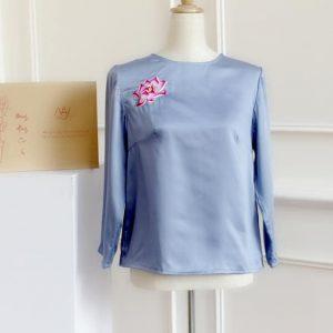 áo thêu tay hoa sen màu xanh 1
