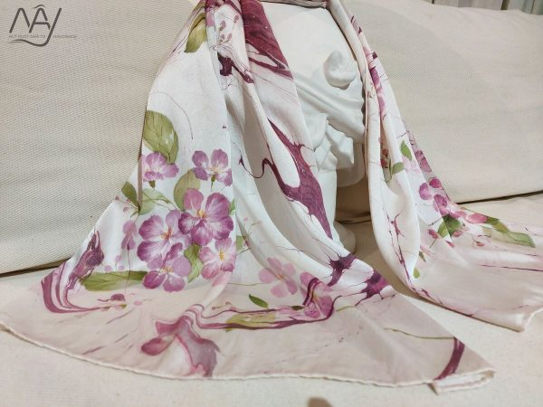 khăn lụa tơ tằm vẽ tay hoa bằng lăng 1
