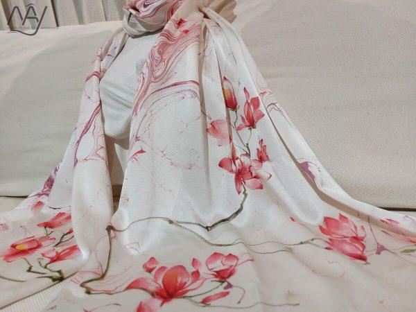 khăn lụa tơ tằm vẽ tay hoa mộc lan 1