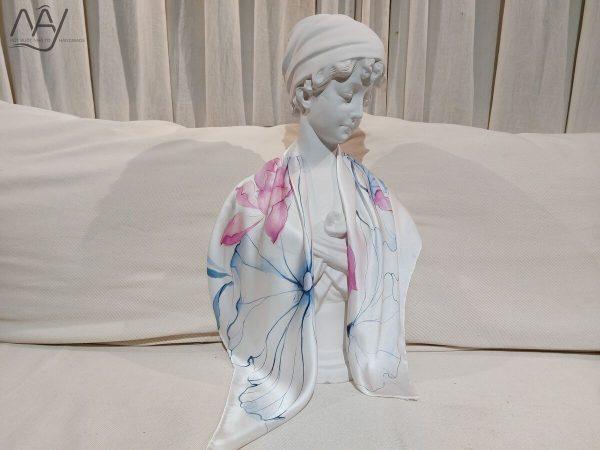 khăn lụa tơ tằm vẽ tay hoa sen 2