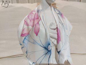 khăn lụa tơ tằm vẽ tay hoa sen 3
