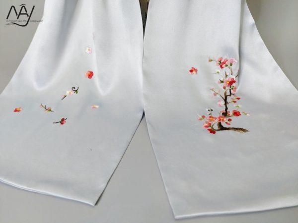 khăn lụa tơ tằm thêu tay hoa đào màu xanh 3